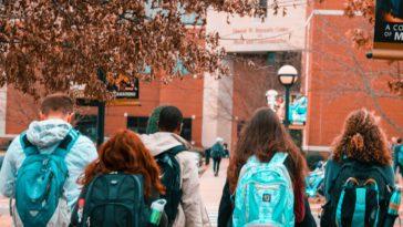 pexels-stanley-morales - étudiants rentrent en cours - 6 memes qui résument bien ta rentrée
